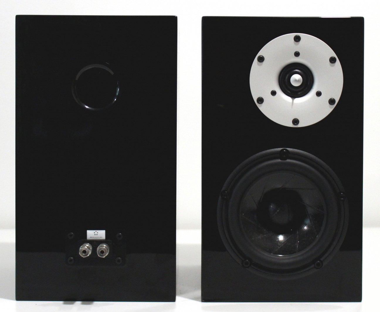 brigadiers_audio_one_audio_mu2_speakers_front_and_rear__large_full